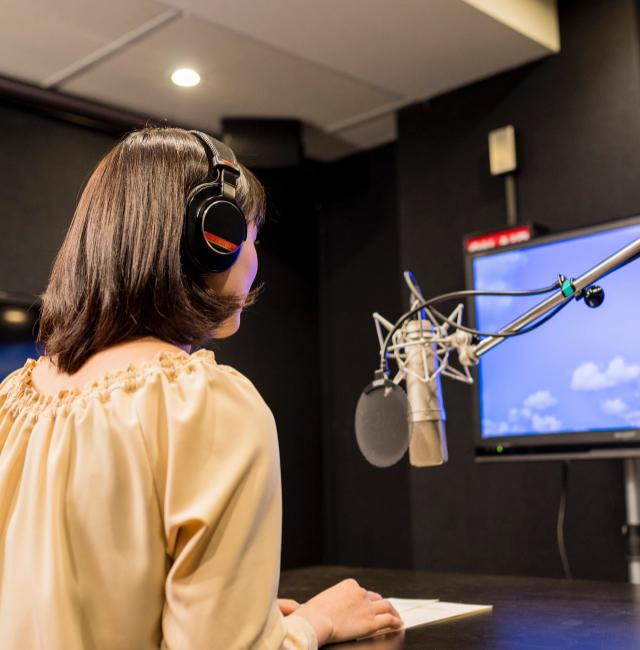 沖縄でラジオCMを制作・放送するなら、那覇市おもろまちの広告代理店「ホウオン」へ